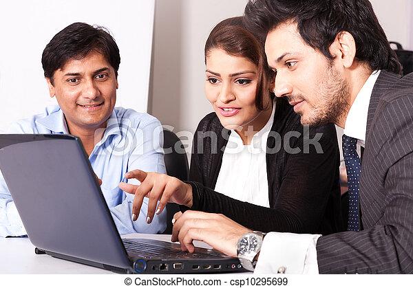 multi, mulher, grupo, pessoas negócio, jovem, inidan, reunião, businessmen., racial, reunião - csp10295699