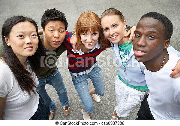 multiculturel, amis - csp0337386