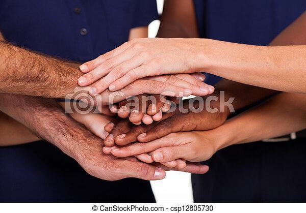 multiracial, junto, mãos - csp12805730