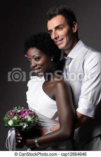 multiracial párosít, esküvő - csp12864646