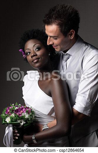 multiracial párosít, esküvő - csp12864654