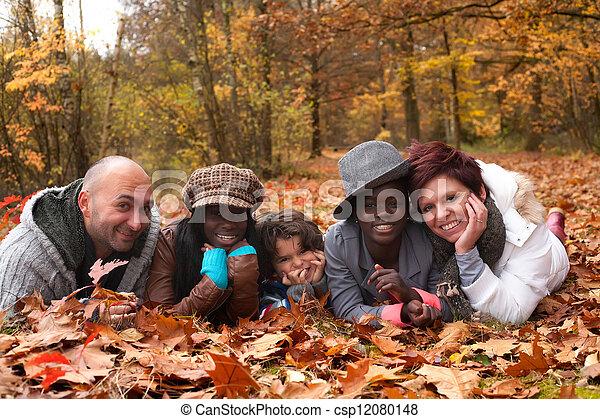 multiracial, rodzina - csp12080148