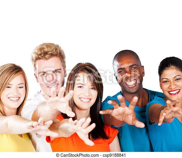 multirassische gruppe, friends, erreichen - csp9188841