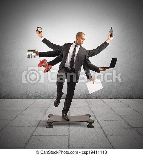 multitasking, uomo affari - csp19411113