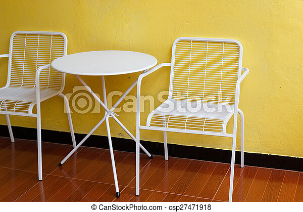 Mur blanc chaise bureau jaune. mur métal bureau jaune blanc