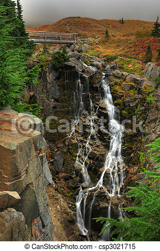 Myrtle falls in Autumn - csp3021715