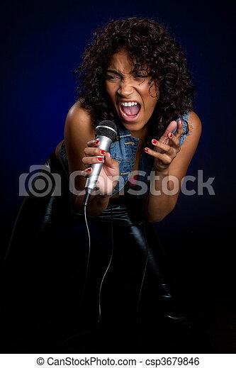 nő, éneklés - csp3679846