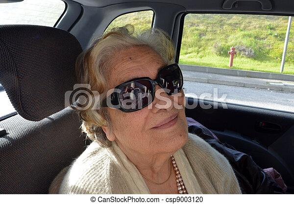 nő, öregedő - csp9003120