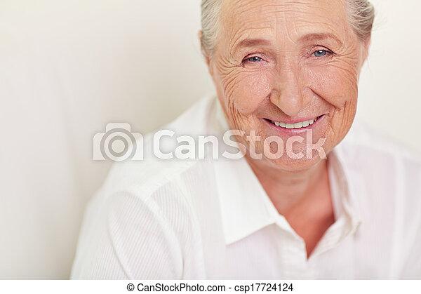 nő, öregedő - csp17724124