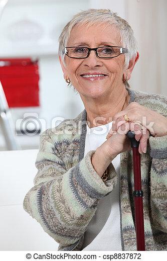 nő, öregedő - csp8837872