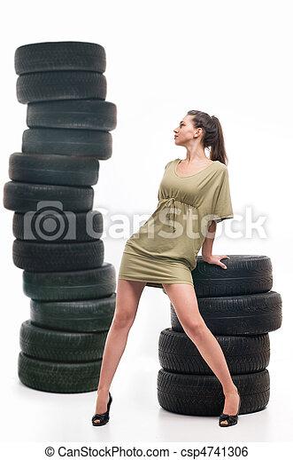 nő, autógumi - csp4741306