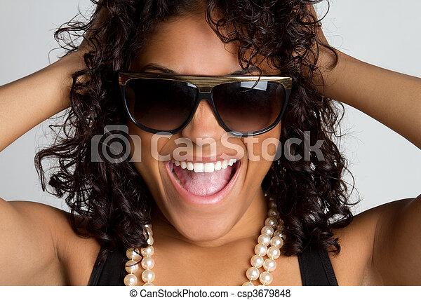 nő, nevető - csp3679848