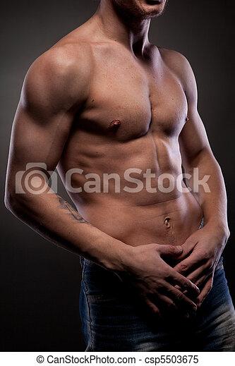 nagi, muskularny, człowiek - csp5503675