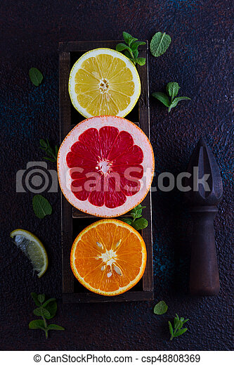 Naranja, limón y pomelo - csp48808369
