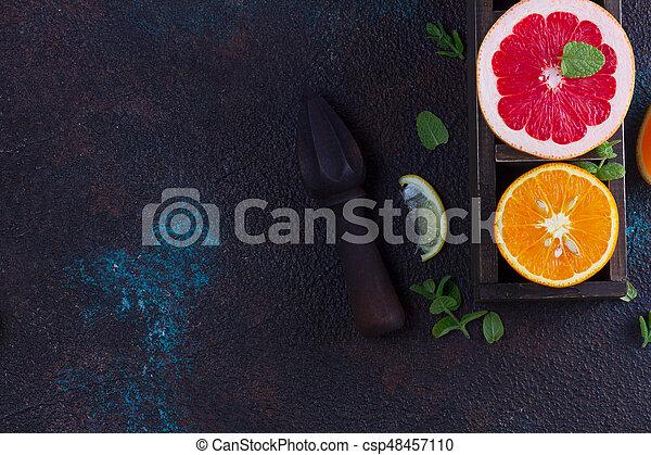 Naranja, limón y pomelo - csp48457110