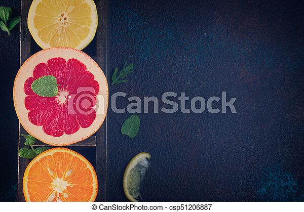 Naranja, limón y pomelo - csp51206887