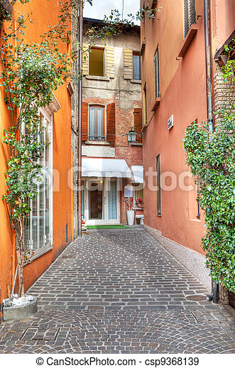 Narrow street. Sirmione, Italy. - csp9368139