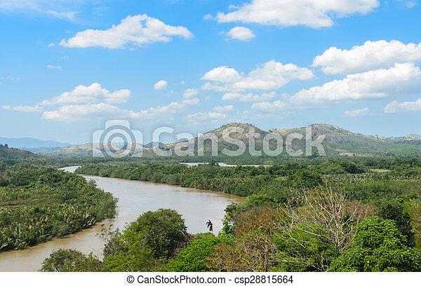 Kra isthmus, Kra Buri River formando un límite natural entre Tailandia y Myanmar. - csp28815664
