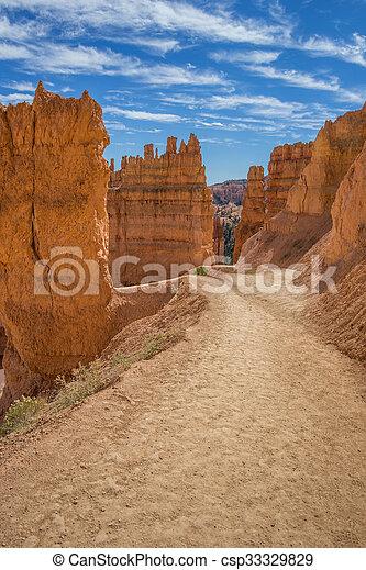Navajo loop trail in Bryce Canyon - csp33329829
