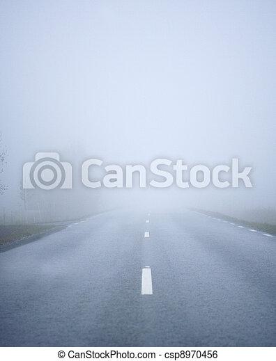 nebbia, strada - csp8970456