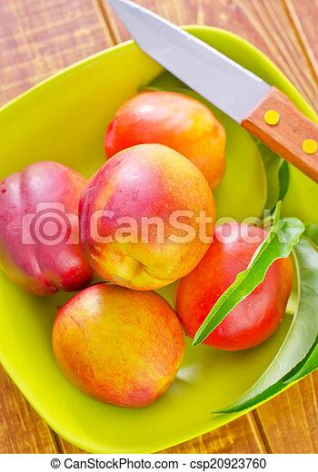 Nectarinos - csp20923760