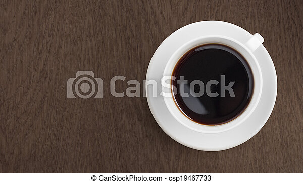 Café negro en la mesa de madera - csp19467733