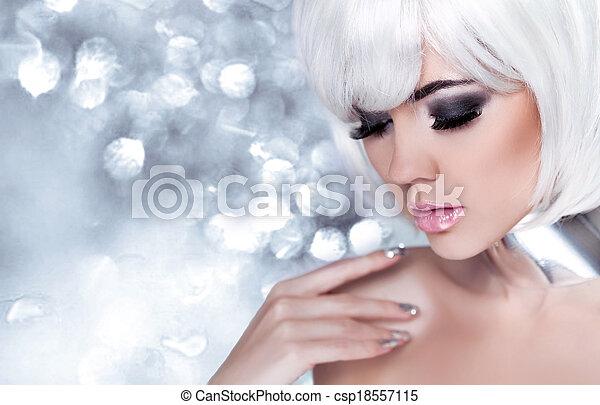 neige, portrait, bleu, vacances, arrière-plan., beauté, make-up., bokeh, reine, blonds, woman., girl., mode, sur, élevé - csp18557115