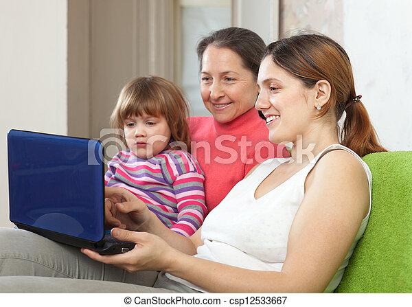nemzedék, laptop, három, család - csp12533667