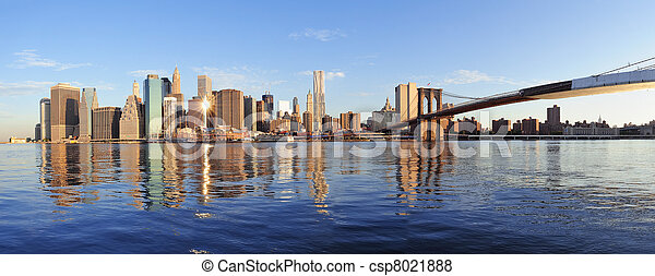New York City in the morning - csp8021888