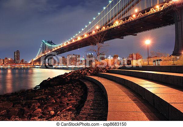 New York City Manhattan Bridge - csp8683150