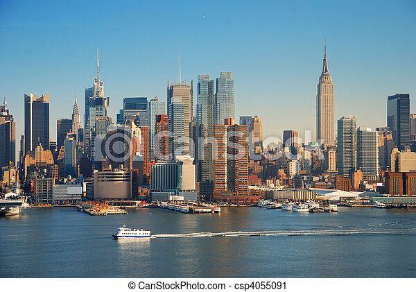 NEW YORK CITY WITH EMPIRE STATE BUILDING - csp4055091