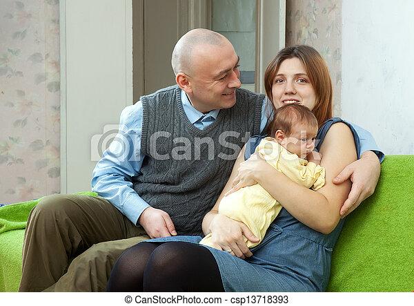 newborn csecsemő, három, család - csp13718393
