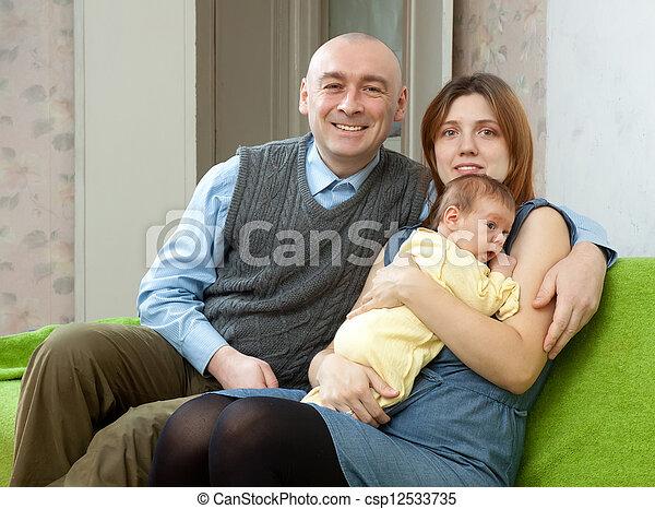 newborn csecsemő, három, család - csp12533735