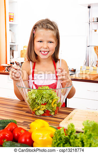 Chica con ensalada - csp13218774
