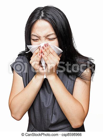 Chica estornuda - csp8598966