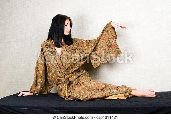 Chica meditativa - csp4811421
