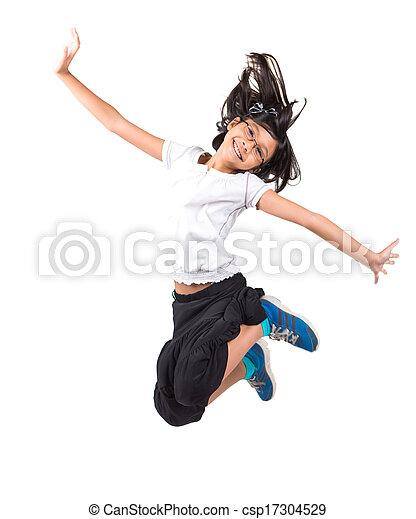 Una joven asiática saltando - csp17304529