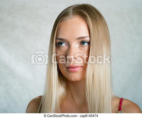 Chica serenidad en gris - csp6145474