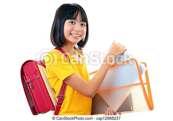 Chica sonriente - csp12988237