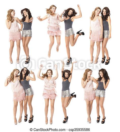 Noche de chicas dos amigos bailando y disfrutando - csp35935586