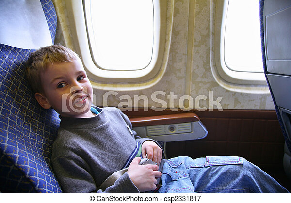 niño, avión, sentarse - csp2331817