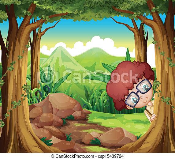 Un niño escondido en el bosque - csp15439724