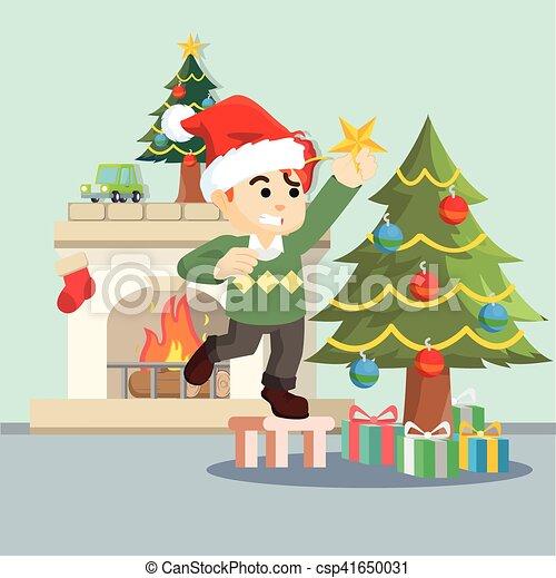 Chico Decorando árbol De Navidad