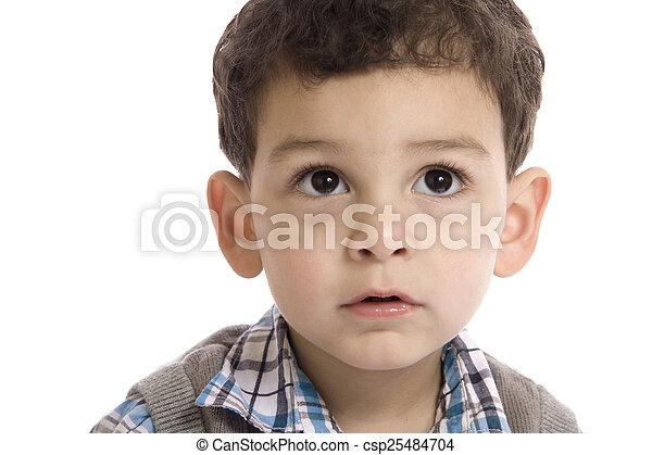 Un retrato de niño sobre fondo blanco - csp25484704