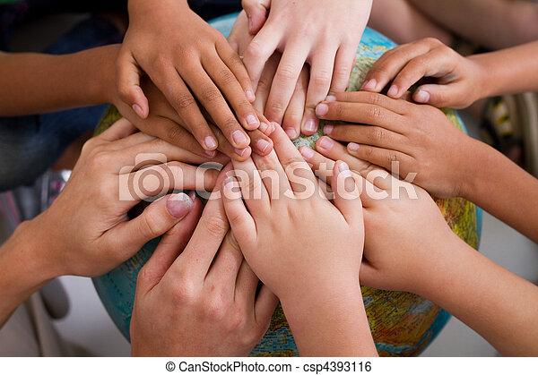 niños, diversidad, juntos, manos - csp4393116