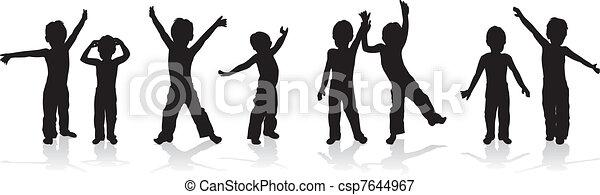 Niños jugando - csp7644967