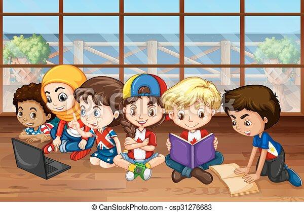 Chicos y chicas trabajando en la clase - csp31276683