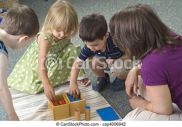 Niños de preescolar - csp4006942