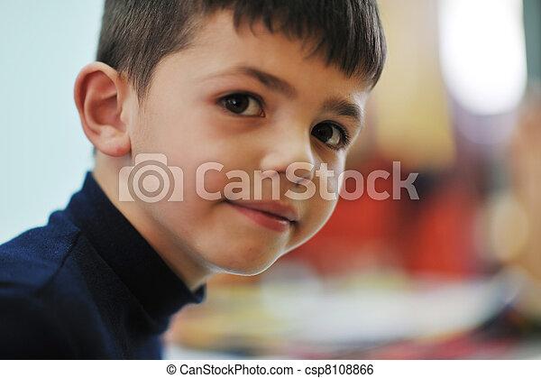 niños, preescolar - csp8108866