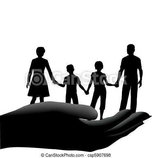 La familia de los hijos de la madre es segura - csp5907698